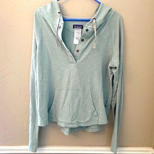 Organic cotton Patagonia pullover sweater hood